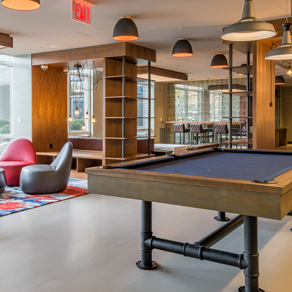 33 bond street lounge pool table