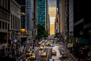 Spectacular view of Manhattanhenge